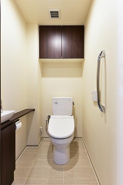 つり戸棚もあり、収納も豊富です!