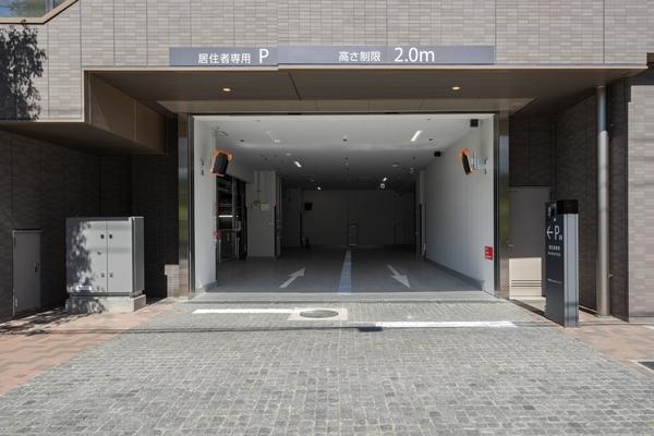 駐車場・入口