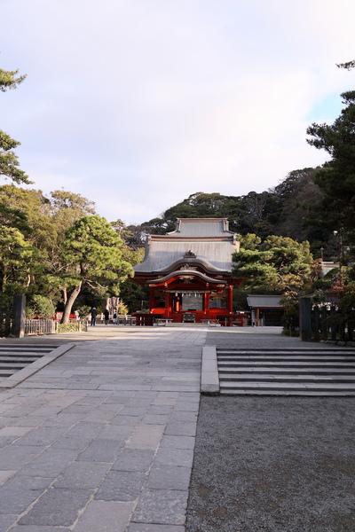 鶴岡八幡宮まで徒歩9分(約710m)