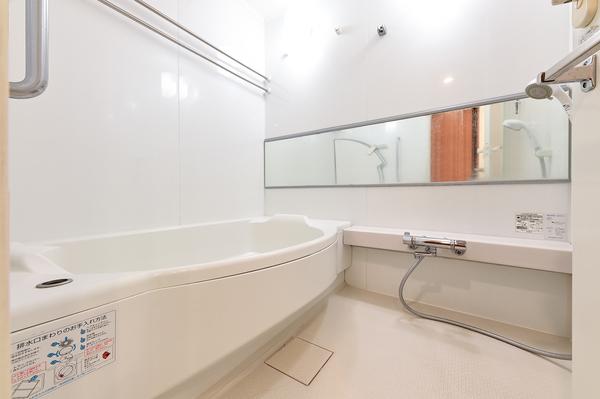 1418サイズの浴槽のある浴室(2020年12月撮影)