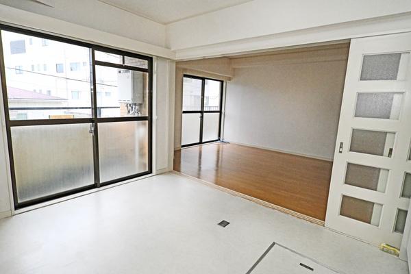 約16帖 洋室部分 お部屋が広い分、様々な仕様が可能です