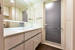 洗面室 収納も豊富で、コンパクトな収納が可能です!