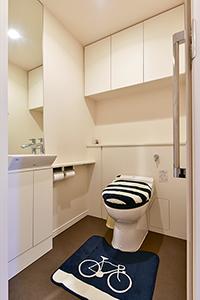 トイレ スペースも広く、圧迫感がない仕様です!