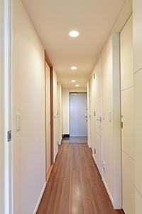 廊下部分 明るさがあり、開放感がある仕様となっております