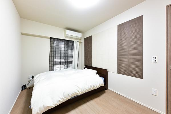主寝室にもアクセントとなるエコカラットを使用