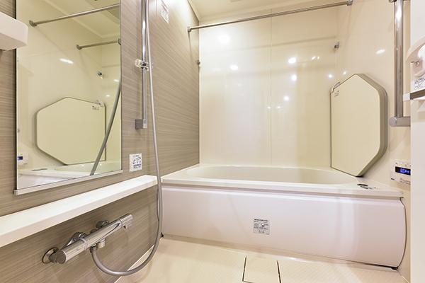 浴室乾燥機付き、とても丁寧にお使いです。