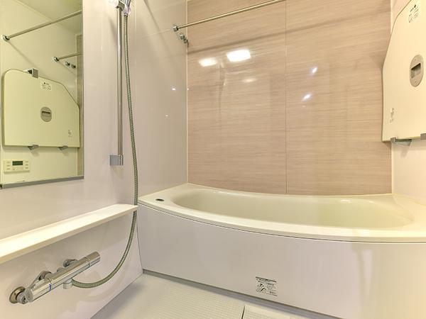 フルオートバス、浴室換気乾燥機付で快適なバスタイムをお過ごし下さい