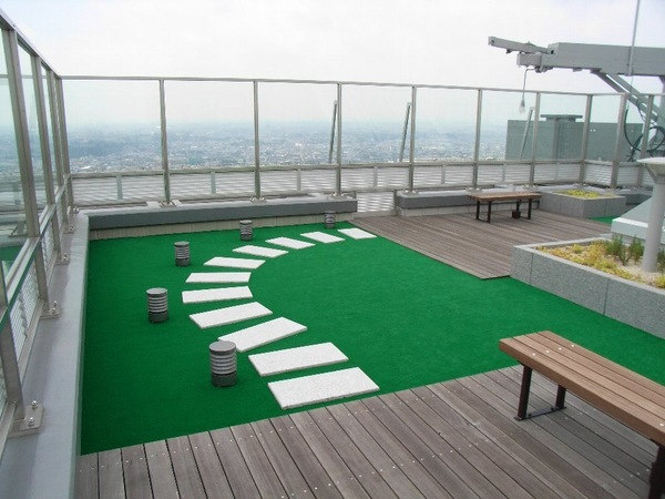 屋上庭園:タワー屋上に設置した、天空のガーデンスペース。