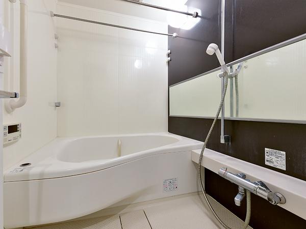 浴室換気乾燥機付オートバスで快適なバスタイムをお過ごしいただけます。