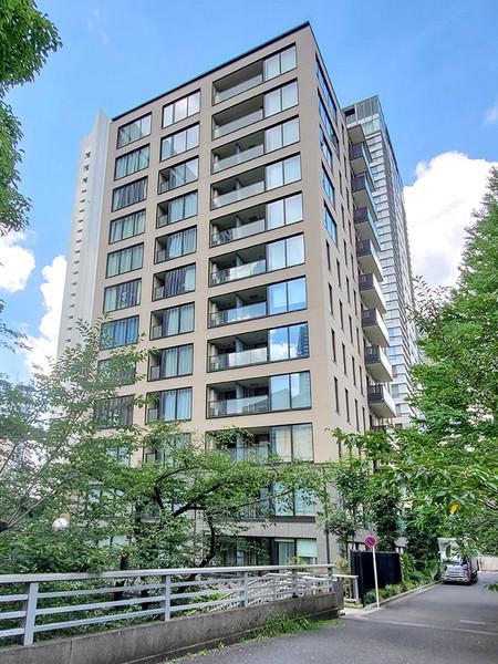 港区赤坂1丁目の高台に建つ全46邸「パークコート赤坂桜坂」