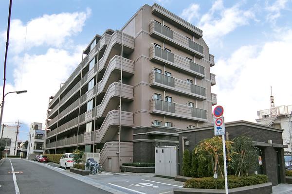 浅草線「西馬込」駅より徒歩10分に立地する、平成28年2月築・免震構造マンション「ノブレス西馬込」