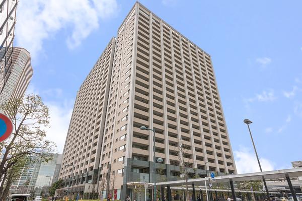 JR横須賀線「武蔵小杉」駅より徒歩1分!3駅8路線利用可能!都心や横浜方面へアクセス良好!
