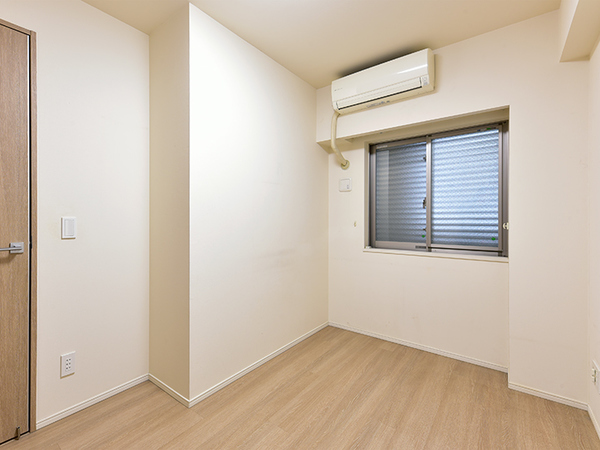 約5.1帖の洋室。収納もあり、子供部屋としても書斎としても用途に合わせてお使い頂けます。