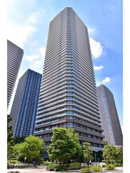 武蔵小杉駅より徒歩2分に立地!多摩川を眼下にのぞむ、45階建超高層タワーマンション