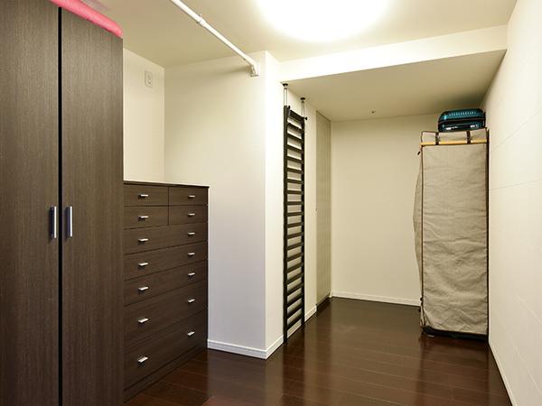 約4.3帖の洋室は、子供部屋や書斎としてなど用途は様々です。