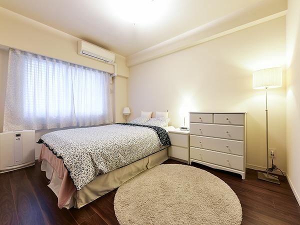 約6.5帖の主寝室。WTCがあり、家族の衣類や季節の家電などたっぷりと収納して頂けます。