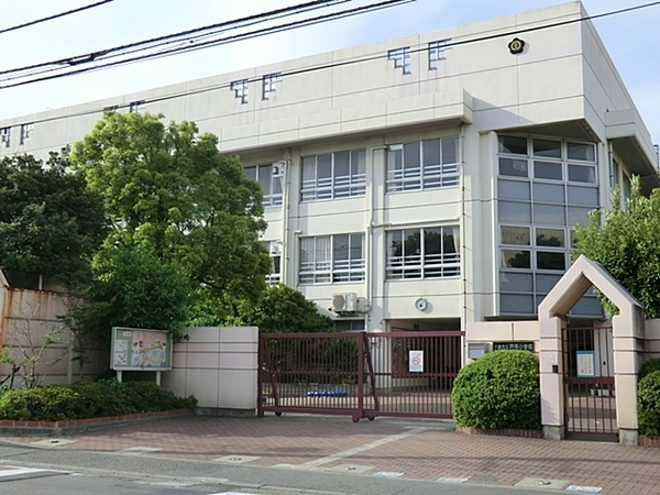 川崎市立戸手小学校:徒歩4分(270m)