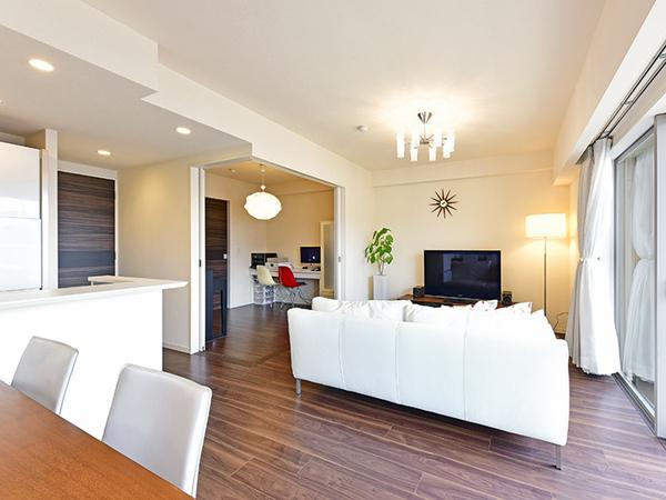 LD(一部)にはお部屋の空気を汚さず、結露やカビ・ダニの発生も抑えてくれる電気式床暖房を採用!