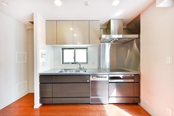 IHクッキングヒーター、ディスポーザー、浄水器一体型推薦など充実の設備・仕様です。