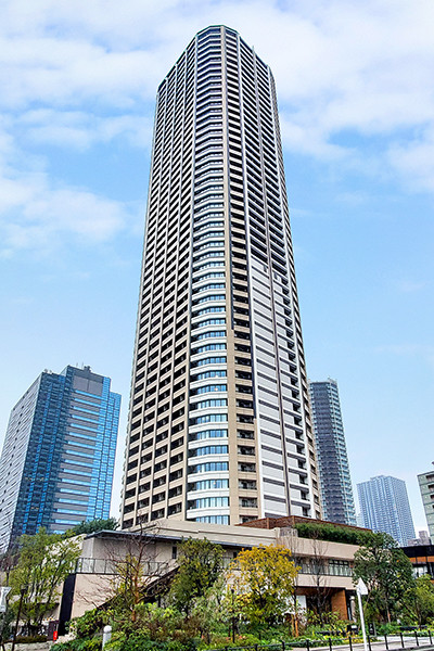 東急東横線沿線・53階建の超高層免震タワーレジデンス!