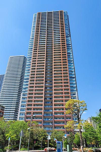武蔵小杉駅より徒歩4分!再開発エリア南端に佇む大規模タワーマンション!