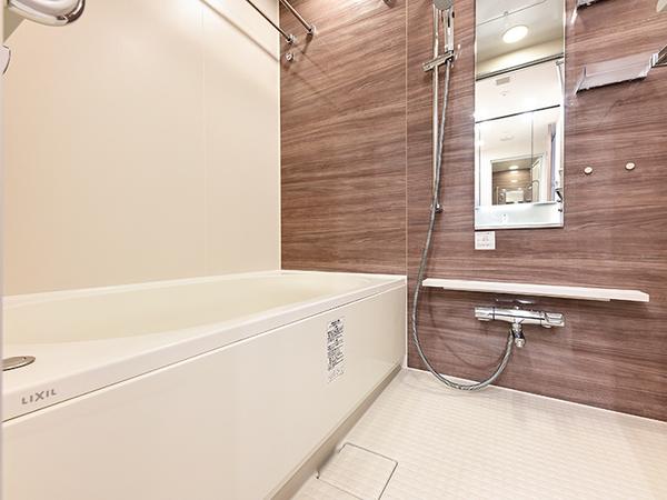 ミストサウナ・浴室換気乾燥機付きフルオートバス採用!