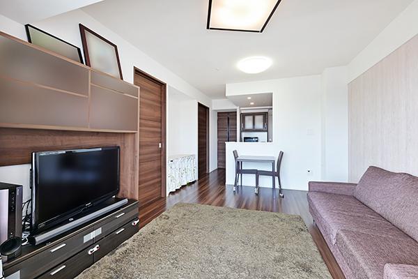 塵や埃を巻き上げにくく空気を汚さない床暖房採用で、足元から優しくお部屋全体を暖めます