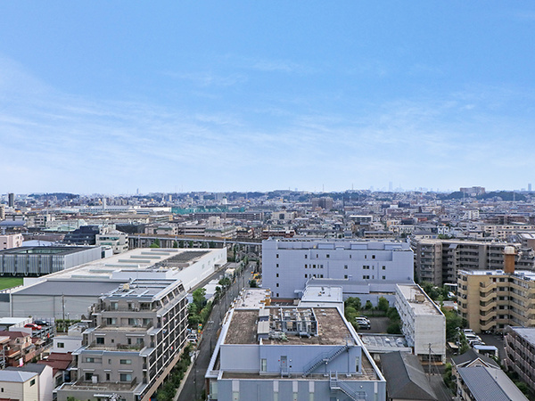 見渡す限りの眺望と太陽の光を享受できる最上階・南向き住戸!