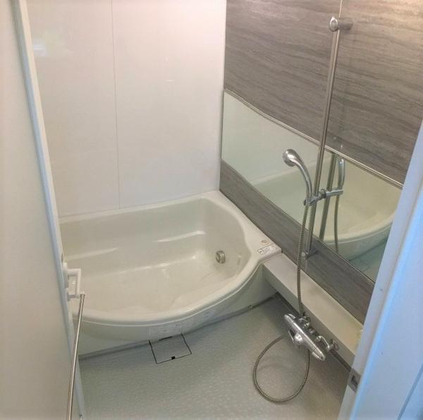 1418サイズの浴室は浴室換気乾燥暖房機付・ミストサウナ付のフルオートバス