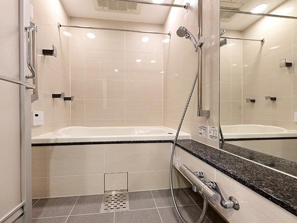 ミストサウナ付きの浴室(1418サイズ)で、リラックスしたバスタイムを満喫