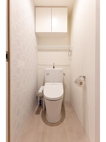 トイレ(上部吊戸棚/暖房洗浄便座)