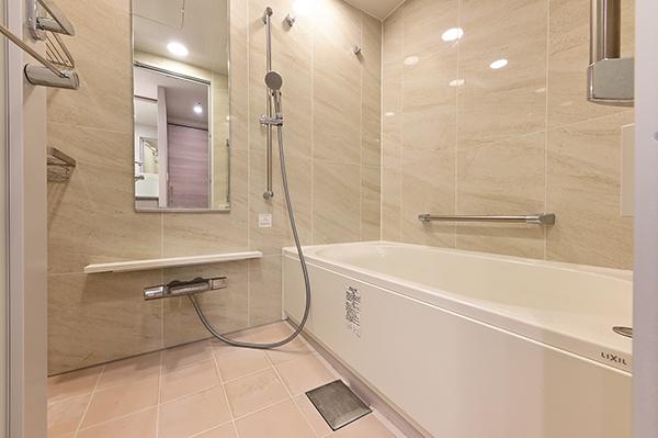 【浴室】ミストサウナ・浴室換気乾燥暖房機付きオートバスなど充実の設備
