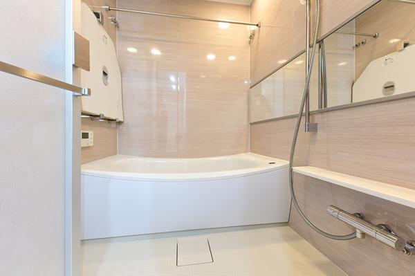 1418サイズの浴室・ミストサウナ付き