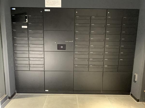 【メールボックス】宅配ボックスと一体で効率的なメールボックス