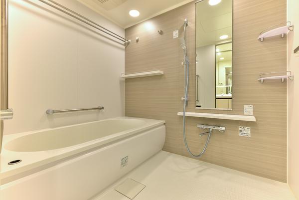 浴室(1.6m×2.0mの大型ユニットバス/浴室暖房乾燥機付)