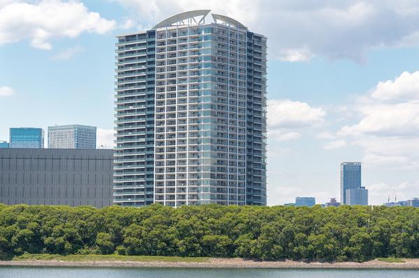 ベイズ タワー&ガーデン。免制震複合システム採用のオール電化タワーマンションです。