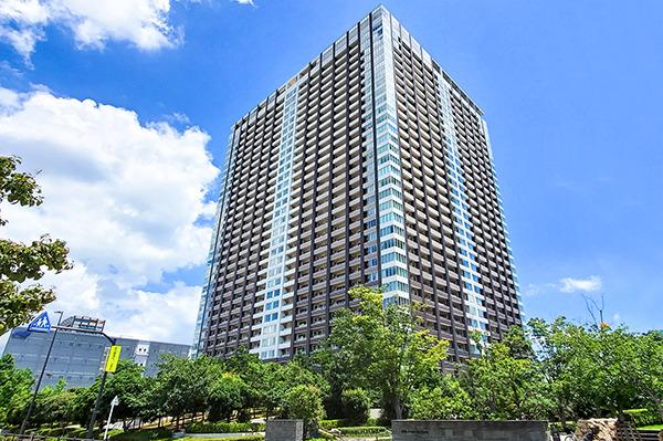 総戸数1085戸の大規模タワーマンション/33階部分に共用施設を集約