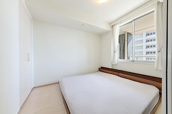 洋室約6帖 部屋内に柱型がでない家具配置がしやすいお部屋です