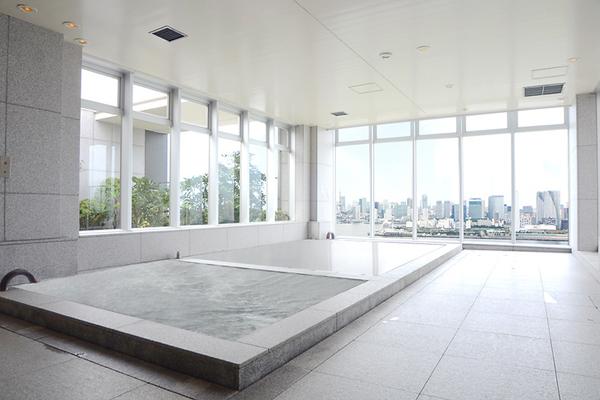 【THE33(ザ・スパ)・昼】340㎡を超える本格的オープンエアの露天風呂・ジェットバス