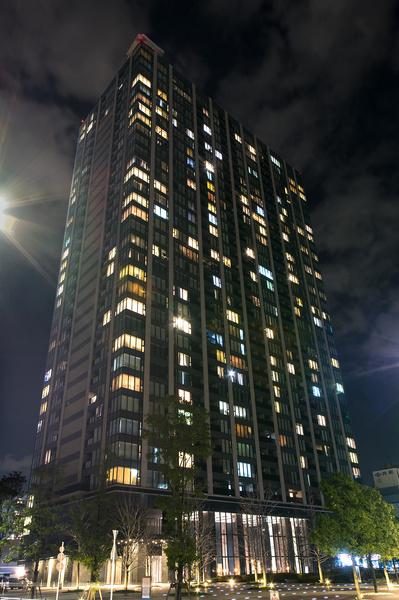 ホテルライクな内廊下設計の都心型タワーレジデンス