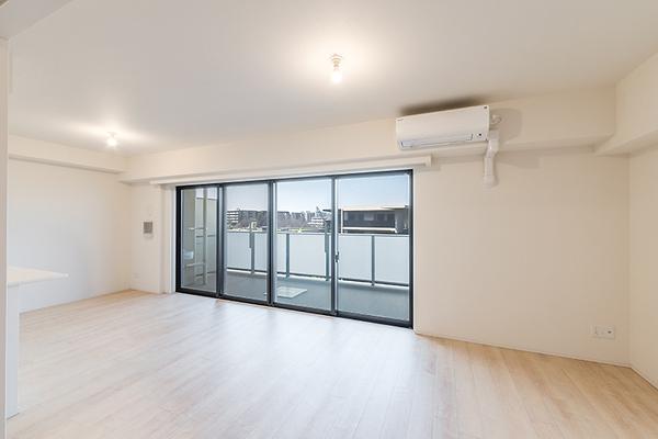 リビング 床暖房付、静かで落ち着いた住環境です