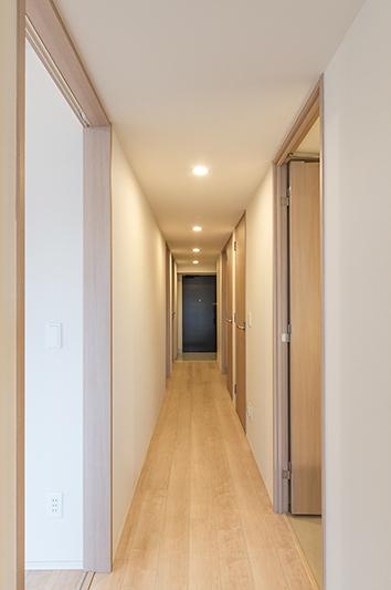 廊下、納戸があります