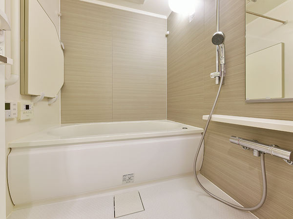 浴室 低床式で安心の省エネの魔法びん浴槽