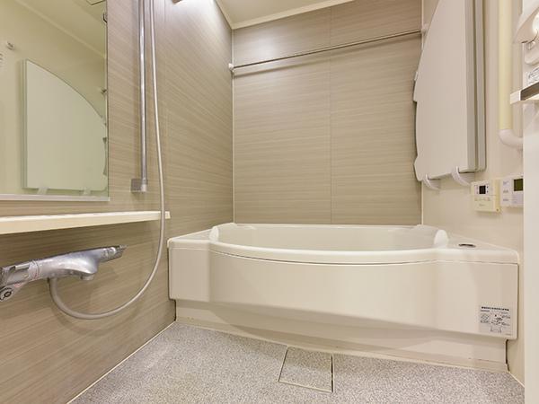 低床式魔法びん浴槽で、安心かつ経済的です