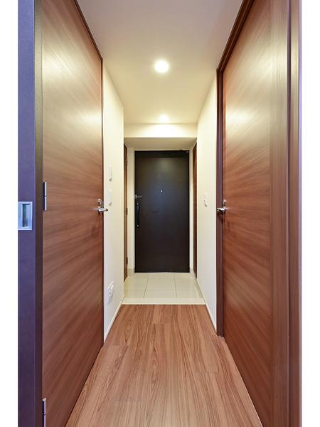 玄関、廊下