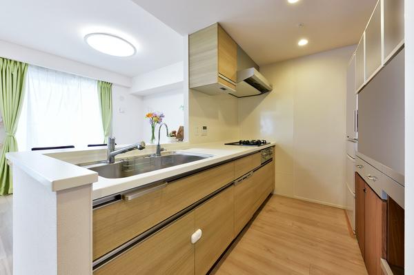約3.4畳の食器洗浄乾燥機付きキッチンです!