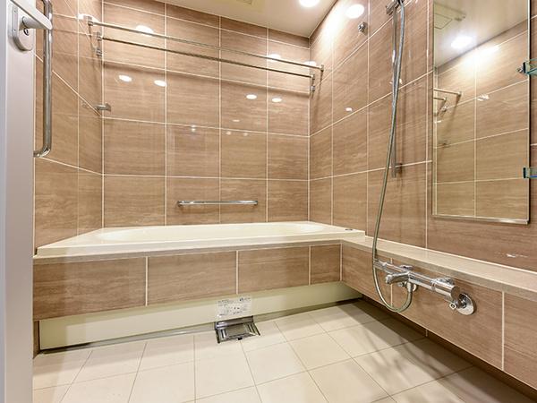 1620サイズのフルオートバス。浴室換気乾燥機付です!