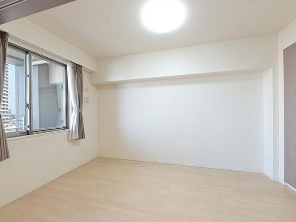 LDに隣接した約5.2帖の洋室。扉の開閉により、使い方の用途が広がります。