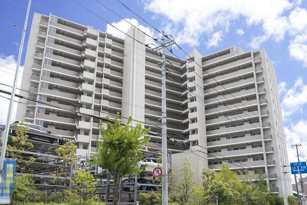東武スカイツリーライン「草加」駅 徒歩7分の立地です。