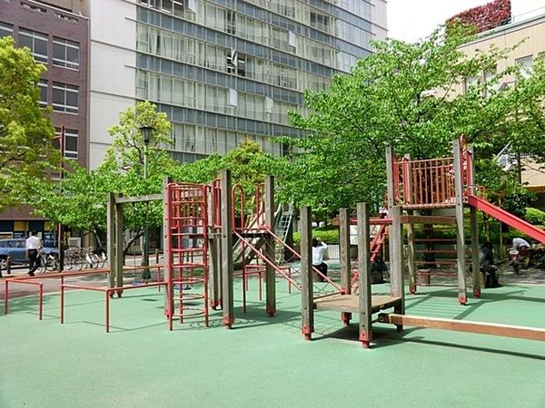 京橋公園、約290m、徒歩4分